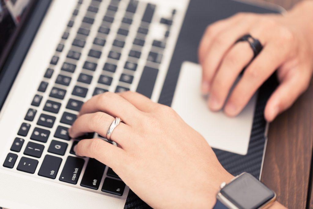 メールを使った営業方法と効率的に問い合わせを増やす方法